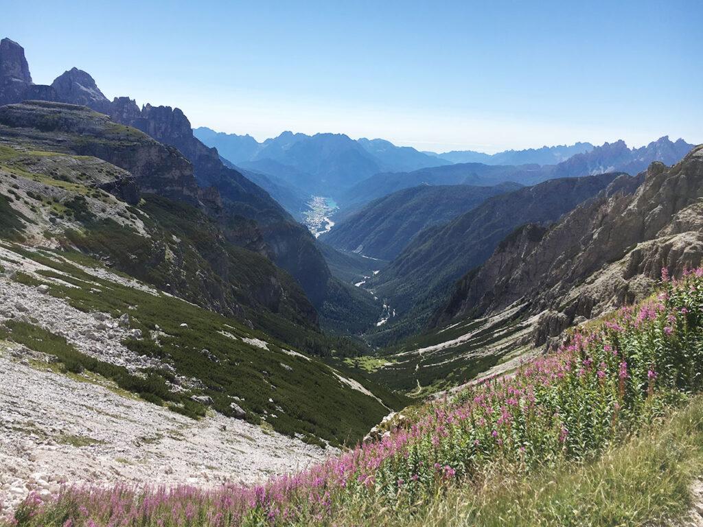 Val-Ansei-Auronzo-vista-dalle-3-cime-lavaredo