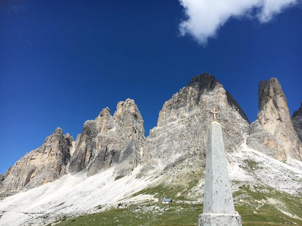 Monumento ai Caduti alle Tre Cime di Lavaredo