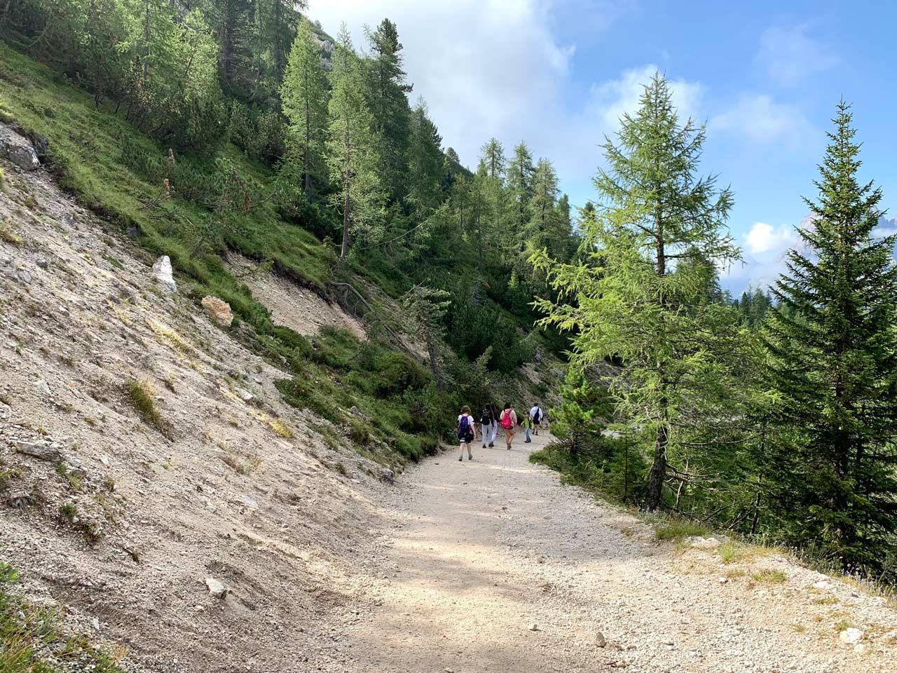 4-partenza-sentiero-misurina-col-de-varda-rifugio-citta-di-carpi