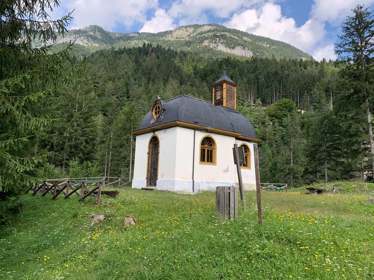 bagni-gogna-auronzo-chiesetta-santa-maria-assunta