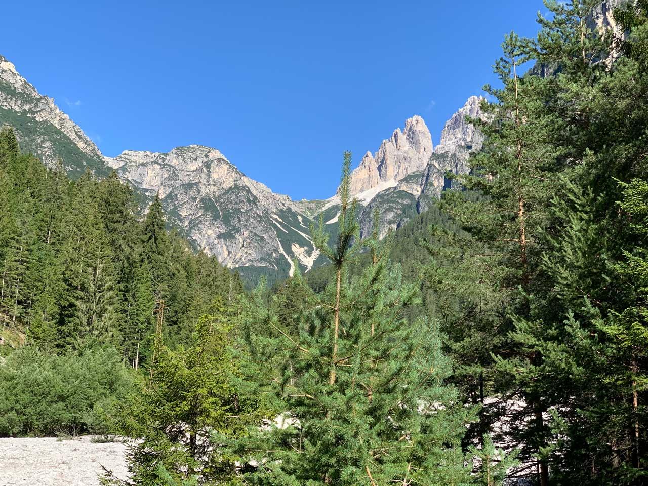 Tre cime di Lavaredo viste dalla Val Marzon ad Auronzo